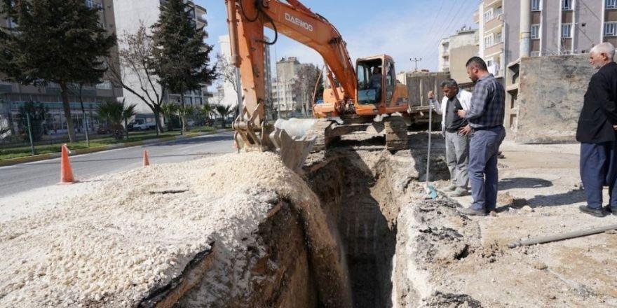 Atatürk Bulvarındaki alt yapı çalışmaları hızla devam ediyor