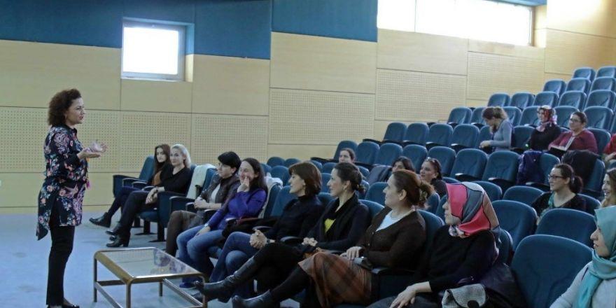 """SAÜ'de """"Modern toplumda iş-aile dengesi"""" etkinliği düzenlendi"""