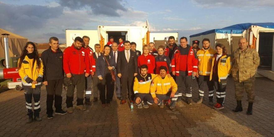 Kaymakam Sarı, sınırda görev yapan sağlıkçıları ziyaret etti