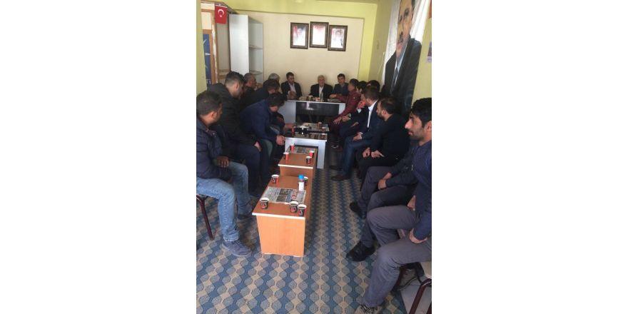 AK Gençlik referandum ziyaretlerini sürdürüyor