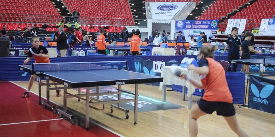 Yıldızlar Türkiye Masa Tenisi Şampiyonası Kayseri'de başladı