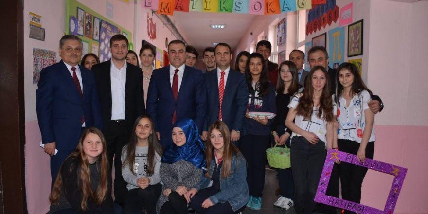 Görelede Lise öğrencilerinden Matematik Sokağı Projesi