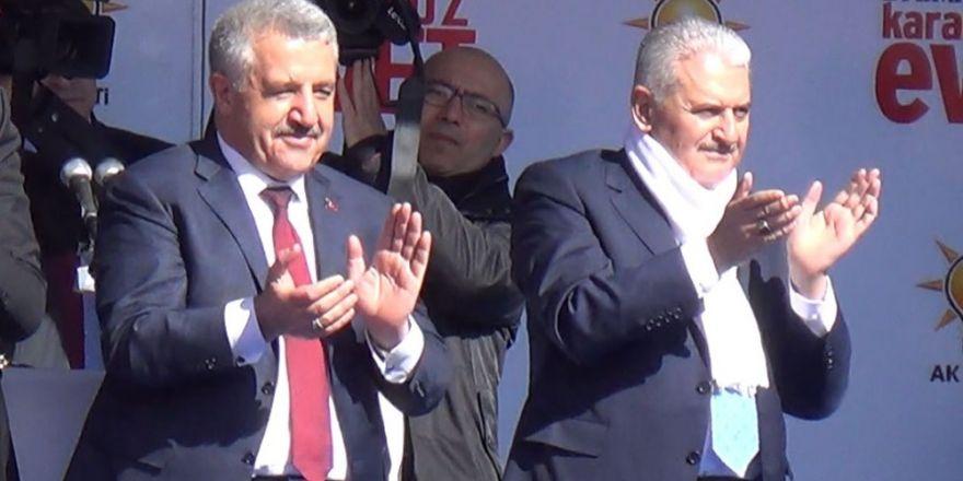 Kars ve Ardahanlılar Bakan Arslan'ı bağrına bastı