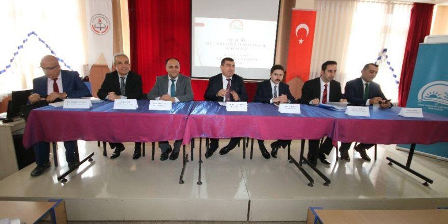 Beyşehir'de balıkçılık ile ilgili bilgilendirme toplantısı yapıldı