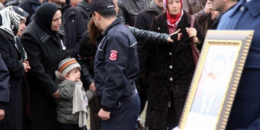 Şehit Uzman Jandarma Çavuş Mahmut Yıldırım toprağa verildi