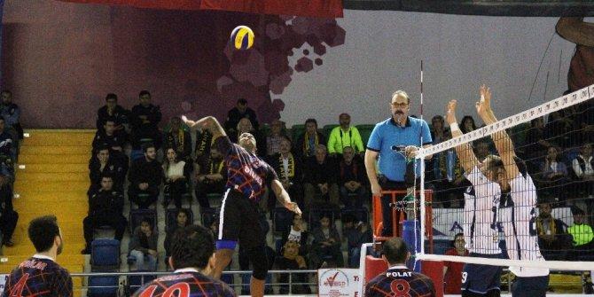 Voleybol 1. Lig Erkekler Final Maçları Mersin'de başladı