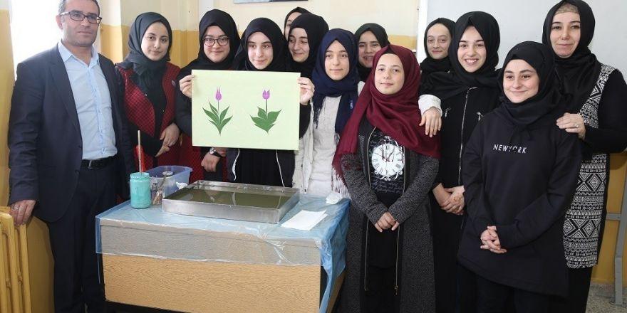 Lise öğrencileri Ebru Sanatıyla buluştu