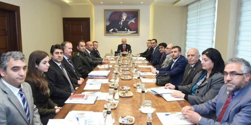 Vali Çakacak, siyasi parti il başkanlarıyla bir araya geldi