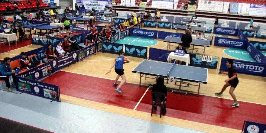 Yıldızlar Türkiye Masa Tenisi Şampiyonası devam ediyor