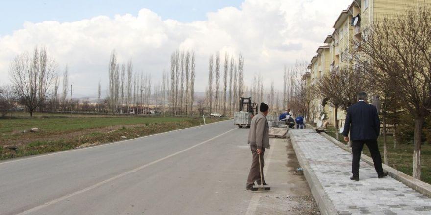 Hisarcık Belediyesinden kilitli parke taşı ve bordür döşeme çalışması