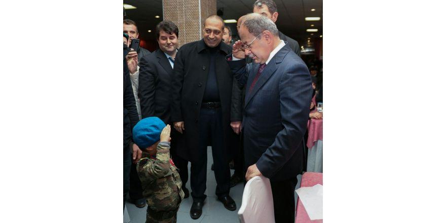 Bakan Akdağ'dan şehit yeğenine asker selamı