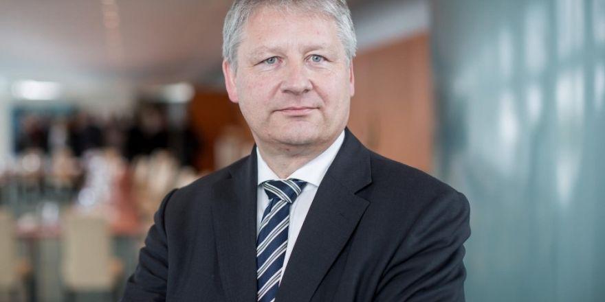 BND Başkanı Kahn, Darbe girişiminin arkasında FETÖ olduğuna ikna olmadı