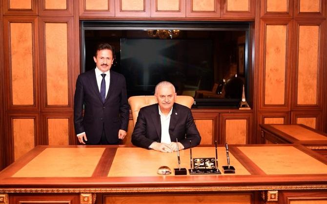 Başbakan Binali Yıldırım Tuzla'lıyım dedi belediyeyi ziyaret etti