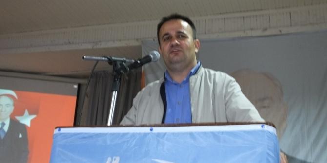 Burhaniye'de Alpaslan Türkeş'i anma gecesi düzenlendi