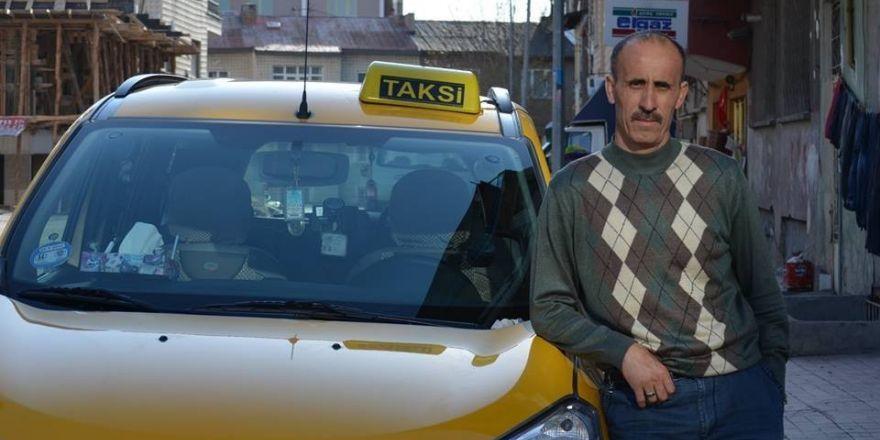 Yolcu otobüsü ile taksi çarpıştı: 1 ölü