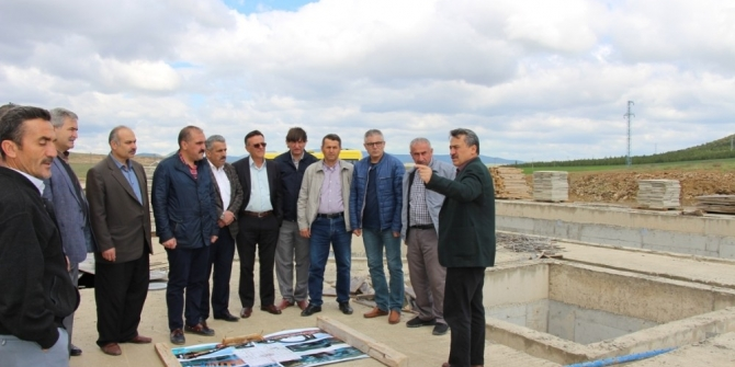 Başkan Tutal, AK Parti ilçe başkanı ve yönetimine projelerini anlattı