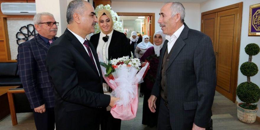 """Başkan Aydın:""""Yaşlılarımıza can yoldaşı olmaya çalışıyoruz"""""""