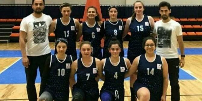 Düzceli Belediyesporlu kızlar yarı finale çıktı
