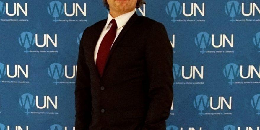DeFacto, BM'de 'Mutlu Kadın Hareketi'ni anlattı