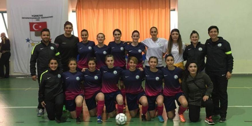 Düzce Üniversitesi futbolu takımları üçüncü oldu