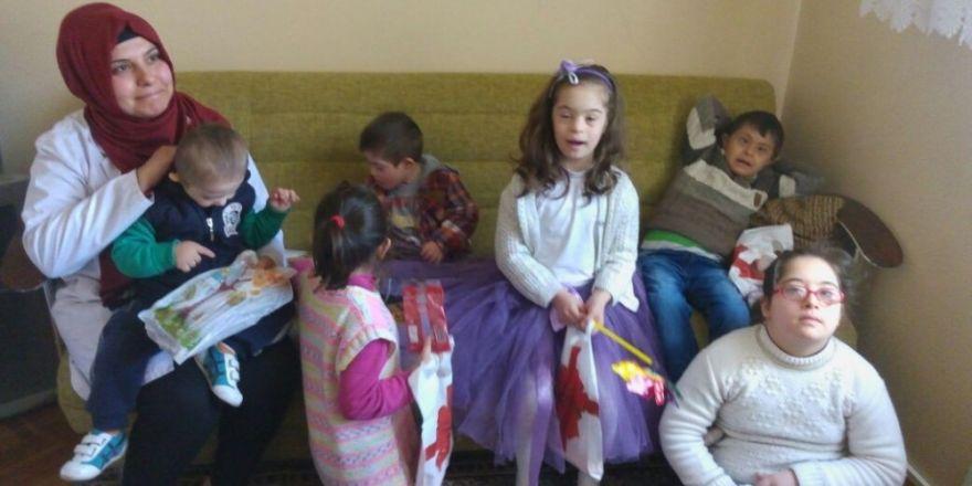 Belediye çalışanları down sendromlu çocuklarla bir araya geldi