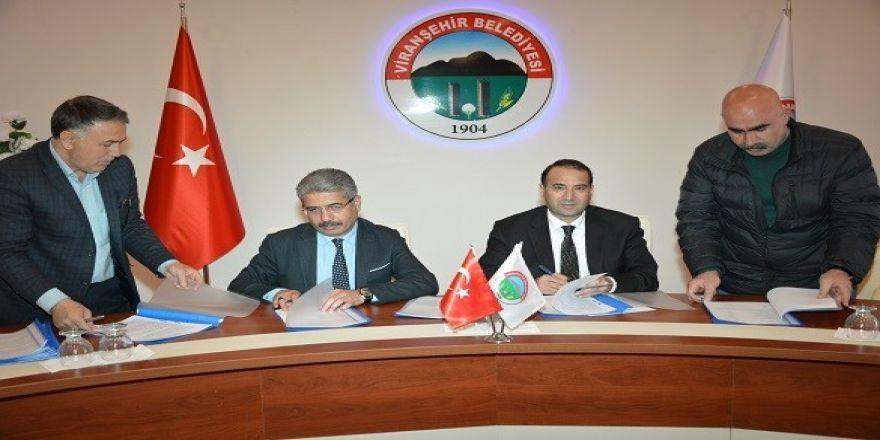 Viranşehir'de belediye işçilerine yüzde 12'lik zam