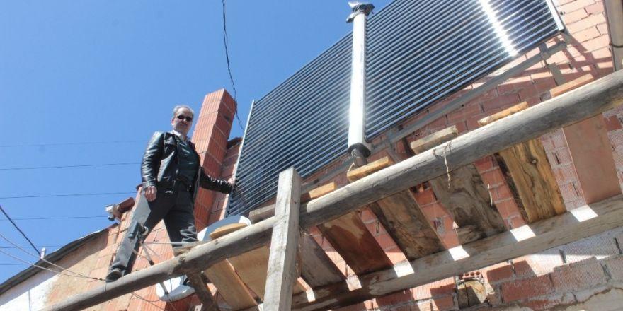 Domaniçli mucit, evini kalorifer sistemini güneş enerjisiyle çalıştırarak ısıtıyor