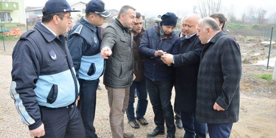 İzmit'te mahalle turu Yeşilova'da devam etti