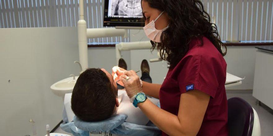 Diş Hekimi Elif Ezgi Kaynak Taşdemir: