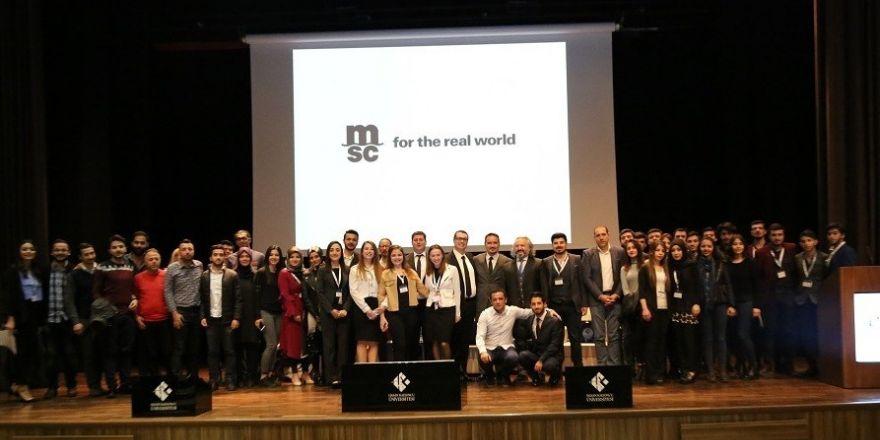 Üniversite öğrencileri iş dünyası ile buluştu