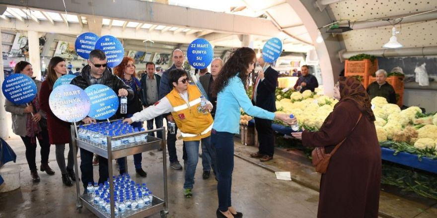 Dünya Su Günü'nde vatandaşlara su ikramı