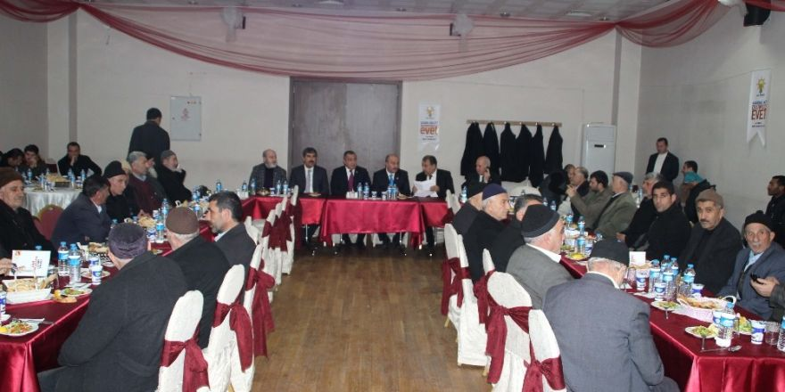 AK Parti, yaşlılarla bir araya geldi