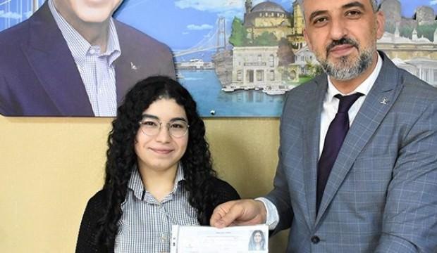 En genç  milletvekili adayı Elif Nur Bayram oldu.