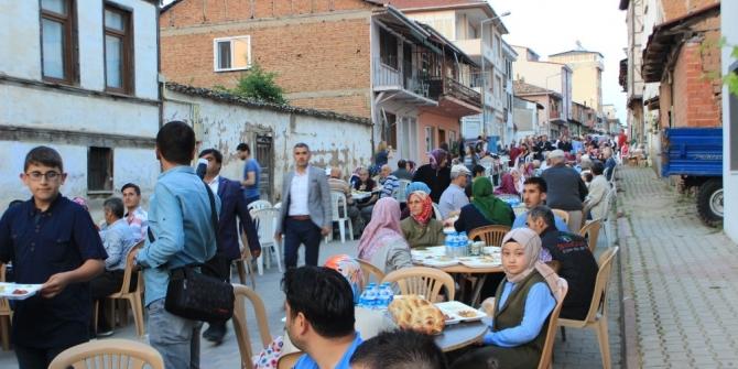Osmaneli Belediyesinden 'Mahalle İftarları'