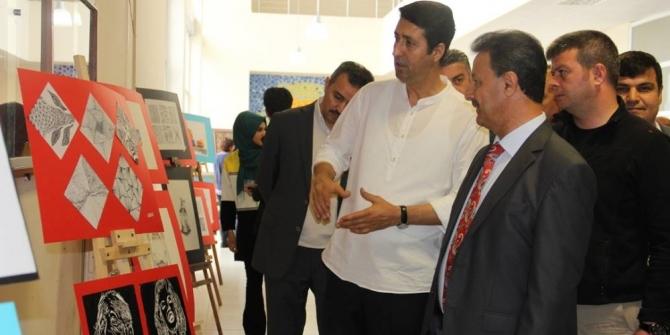 Siirt'te geleneksel resim sergisi açıldı
