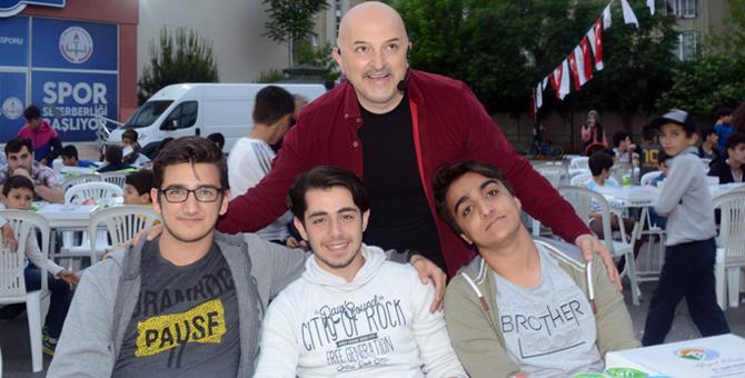 Tuzla Belediyesi'nden gençlik iftarı