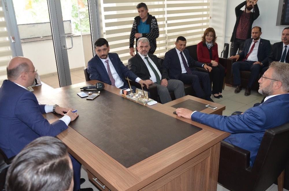 Kütahya'da MHP'den AK Parti'ye ziyaret
