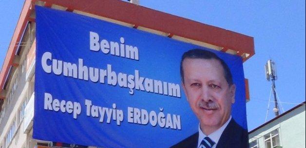 Erdoğan ilk afişi öyle bir yerde asıldı ki...