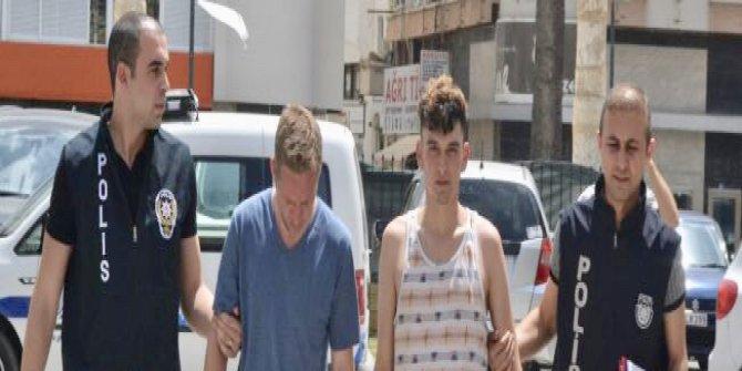 KKTC'de şok olay: İki kişi Türk bayrağını indirmeye çalıştı!
