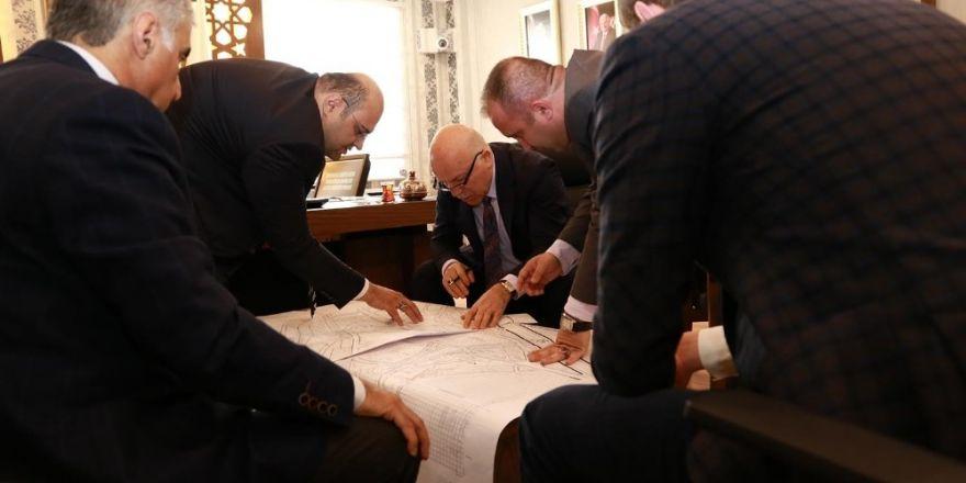 Başkan Sekmen'den Başkan Orhan'a ziyaret