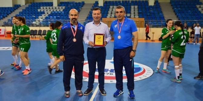 Gölbaşı Hentbol Kadınlar Belediye Spor 2. Lige çıktı.