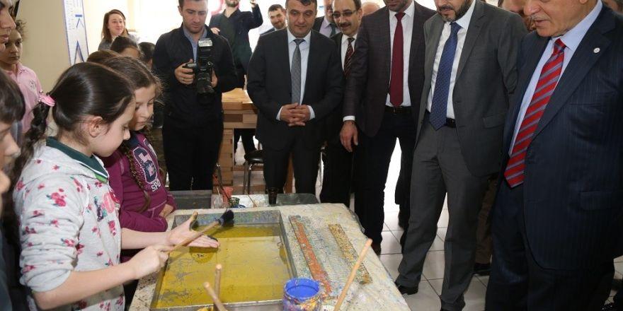 Başkan Karaosmanoğlu, KO-MEK kursiyerlerini ziyaret etti