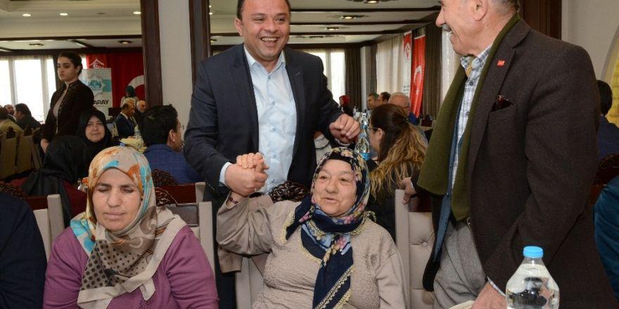Aksaray'da protokol üyeleri şehit yakınlarıyla buluştu