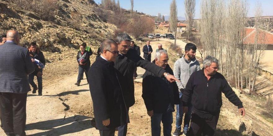 Vali Tapsız, heyelan bölgesinde incelemelerde bulundu