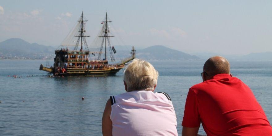 300 bin emekli Alanya'da tatil yapacak