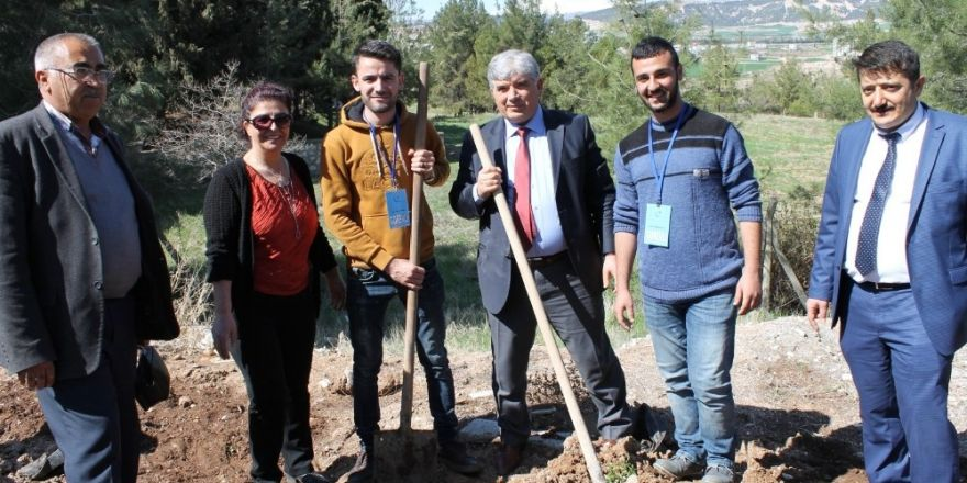 Kütüphaneler haftasında 270 ağaç dikimi yapıldı