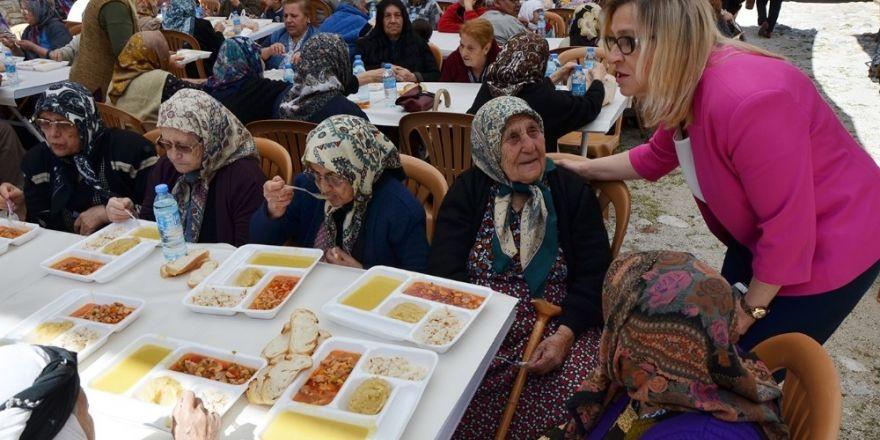 Milas'ta yaşlılara saygı etkinliği yapıldı