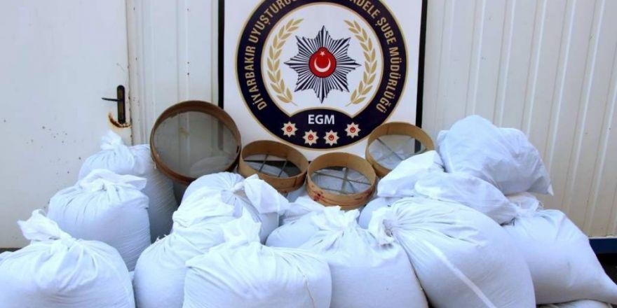 Diyarbakır'da 14 bin adet uyuşturucu hap ele geçirildi