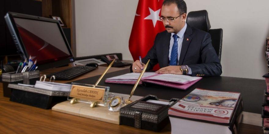 """Cahan ; """"Uşakspor'umuzun  hakkını bu futbol çetelerine teslim etmem"""""""