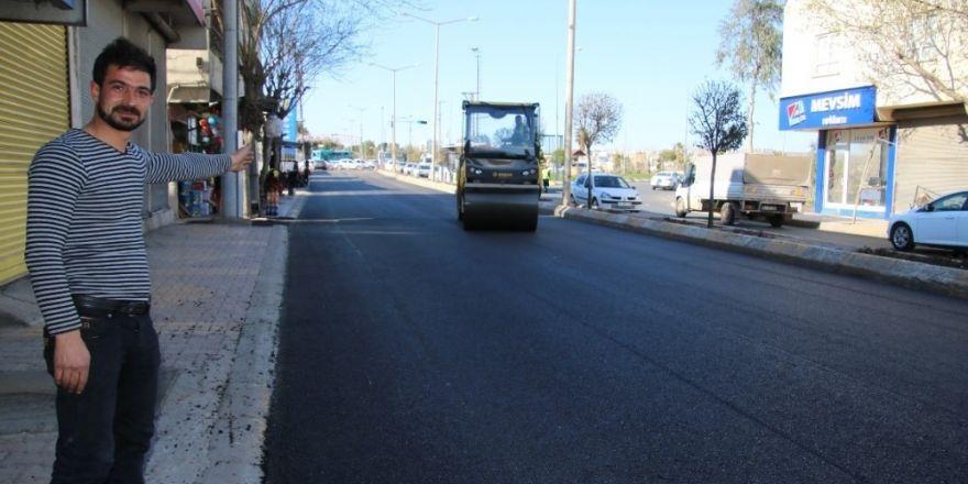 Büyükşehirin haftasonu asfalt mesaisi